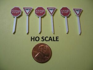 HO SCALE SET OF 3 @ RED STREET STOP & YIELD SIGNS, CUSTOM-MADE, NEW