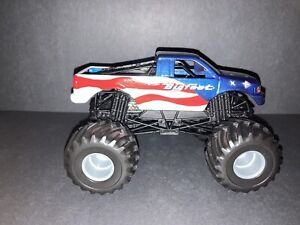 "2006 Custom Hot Wheels 1:24th Scale ""Lady Liberty BIGFOOT #11"" Monster Truck"