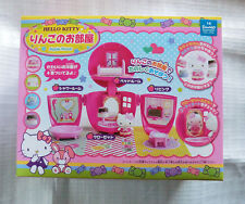 Hello Kitty VERY CUTE Apple Doll House with Kitty Figure