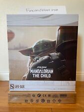 Sideshow Star Wars The Mandalorian The Child Baby Yoda Life Size Figure In Hand