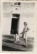 PHOTO ANCIENNE - VINTAGE SNAPSHOT - ENFANT JOUET POUPÉE POUPON POUSSETTE - DOLL