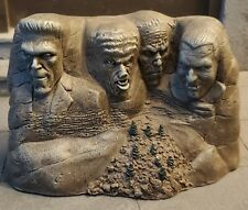 SIDESHOW TOY UNIVERSAL STUDIOS MONSTERS CLASSIC MONSTER MOUNTAIN MOUNT RUSHMORE