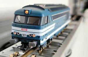 LIMA 208499 L  ECHELLE HO 1/87 LOCOMOTIVE SNCF BB 67582 COMME NEUVE + BOITE