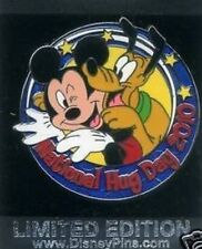 Disney Pluto Jumping on Mickey Limited Edition 1500 National Hug Day pin