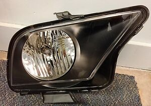 NEW OEM FORD MUSTANG SHELBY GT500 RH PASSANGER SIDE HEADLIGHT  7R3Z-13008-A