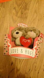 Hugs Bears READ DESCRIPTION