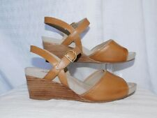 NEW! HUSH PUPPIES CAMEL LEATHER WEDGE SANDALS SZ 8.5 M