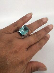 Beautiful Silpada sterling Silver 925 blue topaz ring size 7