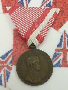 AUSTRIAN BRONZE MEDAL FOR BRAVERY WW1 EMPORER CHARLES/ KARL ORIGINAL RIBBON