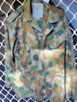 A13  1 X USED CAMOUFLAGE JUNGLE GREEN SHIRT  AUSTRALIAN ARMY  SMALL SIZE