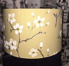 Pantalla prestigioso EMI Mimosa Hecho a Mano Tela Azafrán Amarillo Mostaza Floral