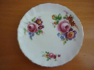 VINTAGE ROYAL DOULTON WHITE ROUND PIN TRINKET  DISH WITH ROSES & FLORAL DESIGN