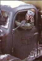 1:35 World War II German driver (NO CAR) High Quality Resin Kit