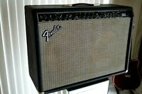 Fender Ultimate Chorus PR204 Electric Guitar 2x12 Combo Amplifier
