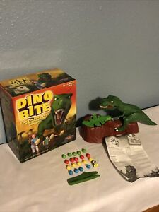 DINO BITE GAME 2011 by DRUMOND PARK 99% COMPLETE 1 BLUE EGG MISSING BOARD GAMES