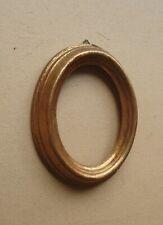 Petit cadre ovale en bois doré à la feuille pour miniature
