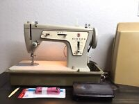 Vintage Singer Sewing Machine Model 237 Fashion Mate in Carrying Case W/ Extras