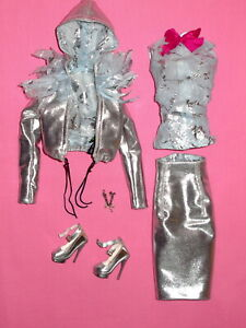 """SuperDoll Sybarite - 2009 Salon """"Silver Something"""" 16"""" Fashion Doll Outfit"""