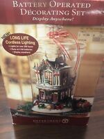 Dept 56 Christmas In City 2004 CHRISTMAS TREASURES #59240 Village -Store Display
