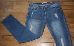 BERSHKA  Jeans pour Femme W 26 - L 32 Taille Fr 36  Réf #J135)