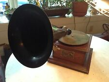 Victor Victrola Oak Junior Phonograph w/Outside Horn
