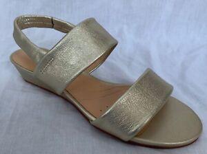 BNIB Clarks Ladies Sense Lily Champagne Leather Wedged Sandals