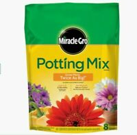 Miracle-Gro 8-Quart Potting Soil Mix - Feeds up to 6 months - Potting Mix