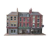 Metcalfe Low Relief Pub & Shops OO Gauge Card Kit PO205