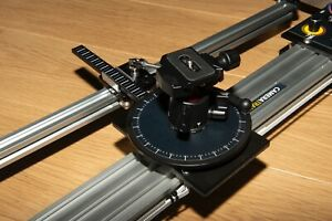 Camera slider, motorised, programmable and silent with parallax for curved views