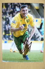 Signed Colour Photo- ROBERT SNODGRASS at Norwich City (apx. 7x5 inch)