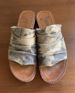 John Fluevog Rivers Amazon W9 Grey Floral Sandal Slip Ons