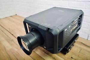 SANYO PDG-DHT100L HD 1080 Projektor DLP W / Objektiv Near Minze Mount-Church