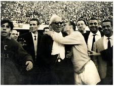 Italia, Napoli, Tacchi abbraccia Achille Lauro. Napoli batte Roma  Vintage silve