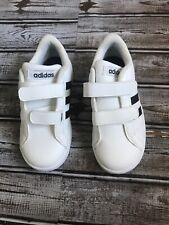 Zapatillas Adidas infantes y niños pequeños basal tamaño 10K Nuevo