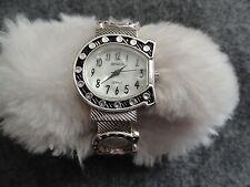 Ladies Geneva Quartz Watch - Unique Style