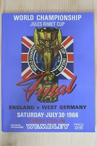 1966 WORLD CUP FINAL PROGRAMME *(ENGLAND V WEST GERMANY)* (1960`s RE-PRINT)
