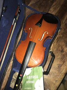 VIOLIN 4/4 (14inch Body) LABEL INSIDE AND OUT WITH HARD CASE WITH AND BOW