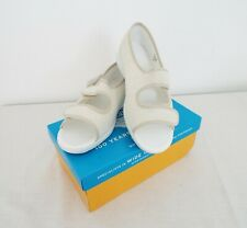 DB shoes Easy B - Women's Shoes - UK size 6 - white colour - New in box