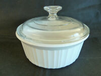 Corning Ware French White Stoneware 1 1/2 Qt Casserole w/Lid  F-5-B
