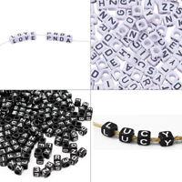50pcs chaque A-Z Cube Alphabet Lettres Perles Carré Acrylique À faire soi-même Bracelet Crafts