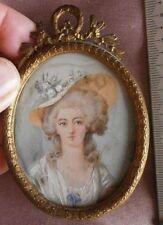 """Portrait miniature XIXème """" Dame au chapeau """" Marie Antoinette ? Cadre laiton"""