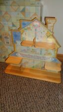 Enesco 1996 Calico Kittens Welcome Home a Litter of Love House Display New Box
