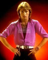 ANDY GIBB - 8X10 PUBLICITY PHOTO (OP-899)