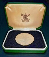 Royal Mint National Trust Coin Silver Bullion Coin in original green box VGC
