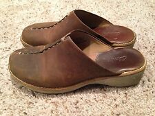 Clarks Mule Slip on Shoe Oiled Brown Leather Sz 8 Med #32333 Clogs Free Shipping