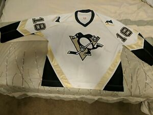 2006-07 Pittsburgh Penguins #18 Dominic Moore GAME WORN Jersey White
