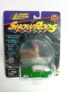 Johnny Lightning White Lightning Show Rods Green '41 Phaeyton 1:64