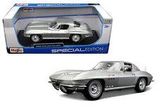 Maisto 1:18 Special Edition - 1965 Chevrolet Corvette Diecast Car
