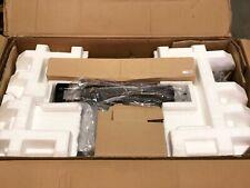 NEW - tatty box - APC SMT2200RMI2U Smart-Ups 2200Va Lcd Rm 2U 230V