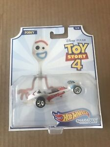 Mattel Disney Pixar Hot Wheels Toy Story 4 FORKY Vehicle Character Cars #5 Forky